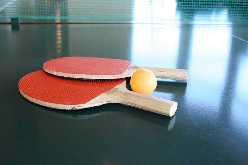 http://sportbuk.com/wp-content/uploads/2010/06/tennis-nast-raketky.jpg