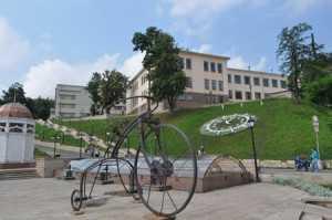 Chernivtsi-Turetsjka-ploscha-1