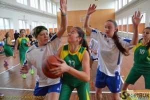 141122-basket-shkolyarky-Novoselytsya-1-sportbuk.com (1)