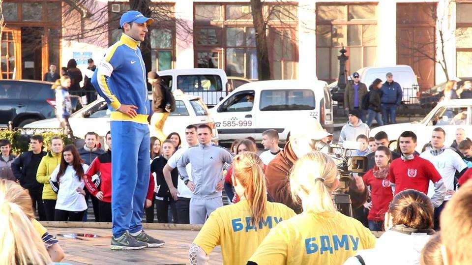 Чернівчан запрошують 5 квітня на ранкову зарядку з рекордсменом України