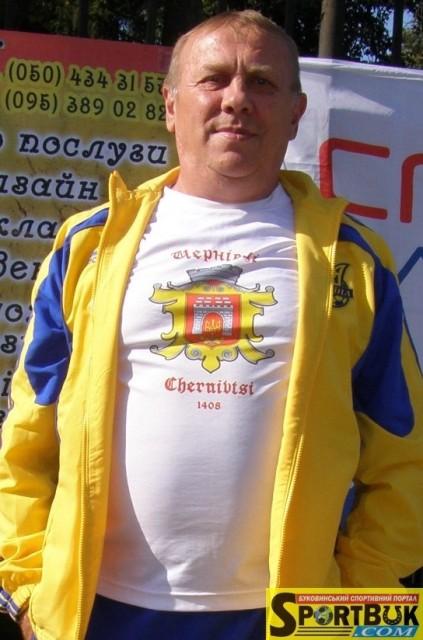 """Ветерани """"Буковини"""" та журналісти зіграли матч пам'яті Сергія Батюка"""