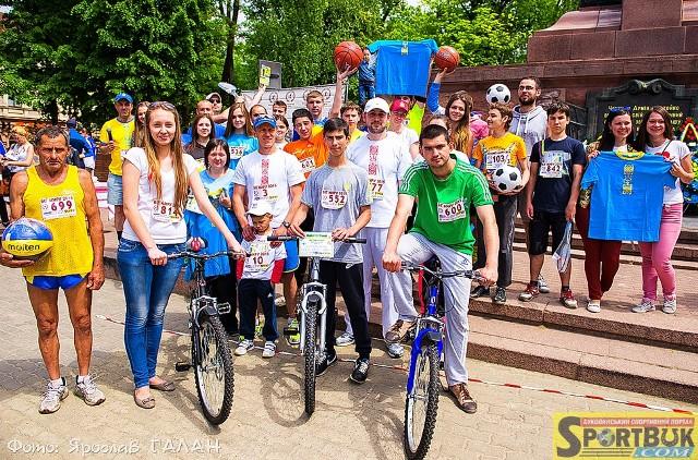 Біг Миру: Медалі – найшвидшим, велосипеди – найвдалішим, всім учасникам – презенти