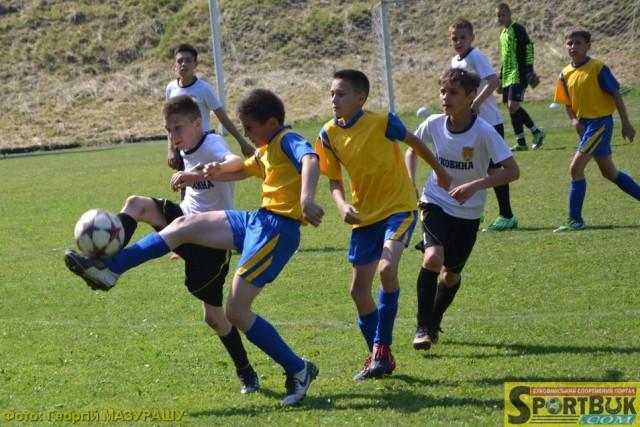 У Чернівцях нова футбольна школа розпочинає набір 2017