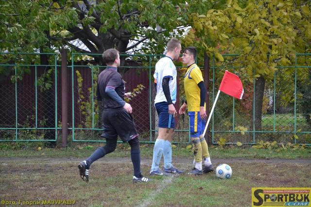 Футбол: в області – знову сенсації, у місті «Урожай» йде у відрив
