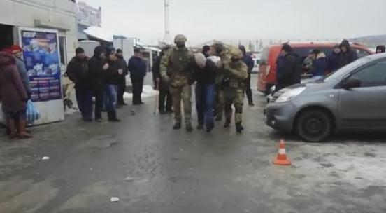 Затриманих за розбійний напад помилково назвали рукопашниками (відео)
