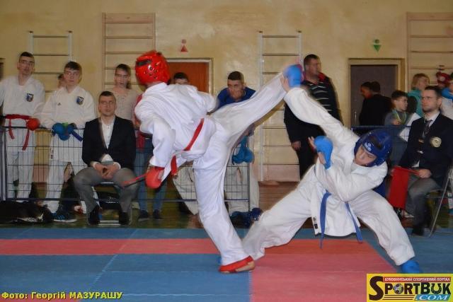 Україно-іспанський фінал на клубних змаганнях з карате у Чернівцях (фото)