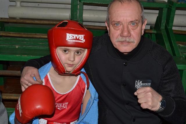Перші на Хотинщині міжнародні змагання з боксу – на рингу від Кличків (фото)