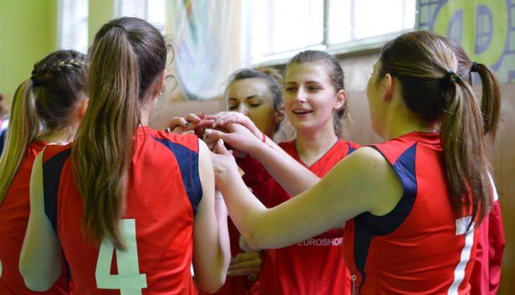 Волейбол: Чернівчанки пробилися до топ-4 вищої студентської ліги 2016/17 (фото)