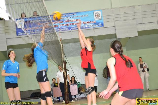 Путильська сенсація у півфіналі Буковинської волейбольної ліги 2017 (фото)