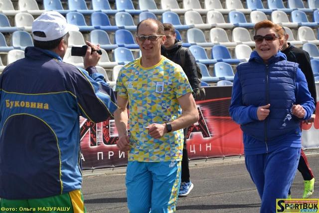 Нардеп Продан і чемпіон Гешко підтримали Великодню пробіжку 2017 (фото, відео)