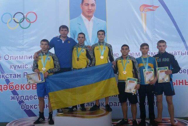 Бокс: Вижничани привезли дві нагороди з Казахстану (фото)