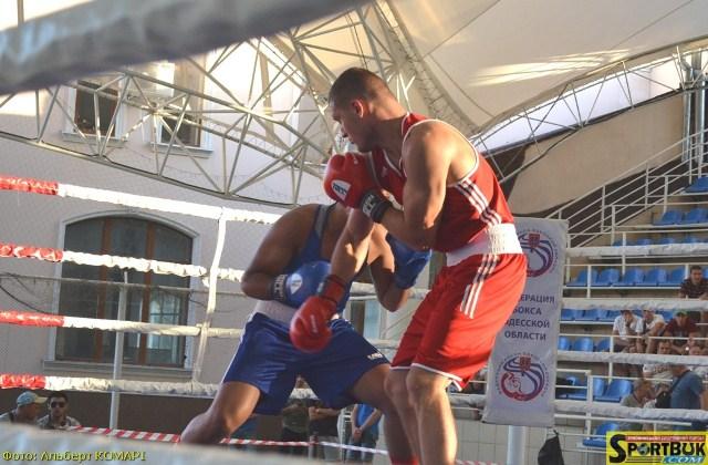 Бокс: на турнірі класу А в Одесі залишився один буковинець (фото)