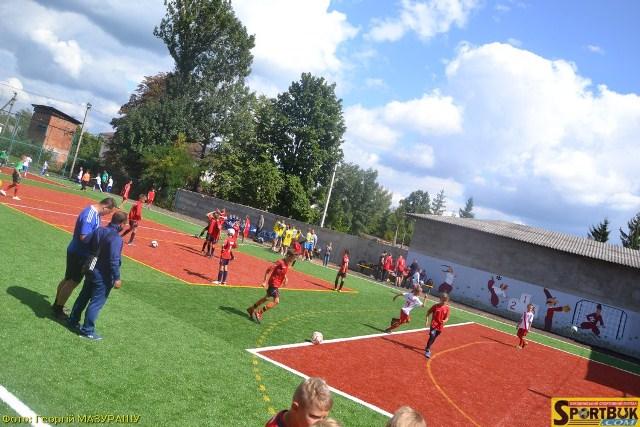 У Новоселиці та Глибоці 23.08.17 відкрили сучасні спортивні майданчики (відео, фото)
