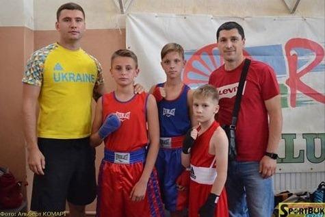 Роми мають свої змагання з боксу і свій спортклуб (фото)
