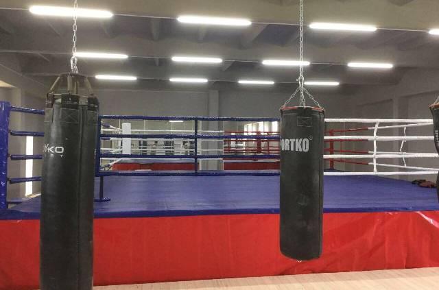 У Глибоці відкривають найбільший зал боксу, де працюватиме і тренер збірної!