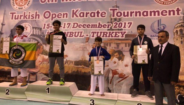 Карате: Чернівчани привезли три нагороди з Туреччини