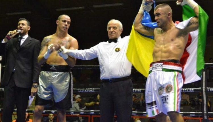 Непереможний у профі-боксі буковинець провів 13-й бій (фото)