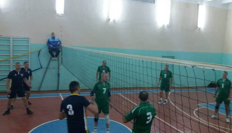 У Чемпіонаті області з волейболу 40+ 2017/18 лідирує «Новоселиця» (фото)