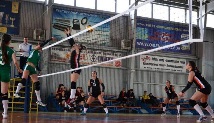 8 березня – вирішальні матчі Кубка Чернівців 2018 з волейболу (відео)