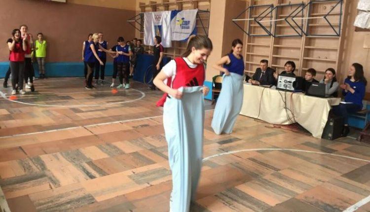 «Нумо, дівчата!» 2018 в «олімпійській» школі в Чернівцях (відео, фото)