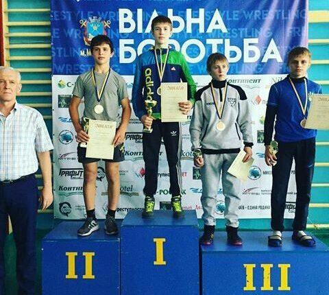 Чернівчанин виграв юнацький чемпіонат України з вільної боротьби 2018