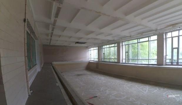 Прояснилась ситуація з ремонтом басейну в ЗОШ №27 (відео, фото)