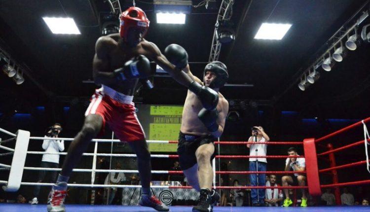 V вечір боксу «Джентльмени в ринзі»: супер бої та зіркові гості (відео, фото)